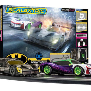 Scalextric Scale 1/32 SparkPlug Set: Batman VS Joker
