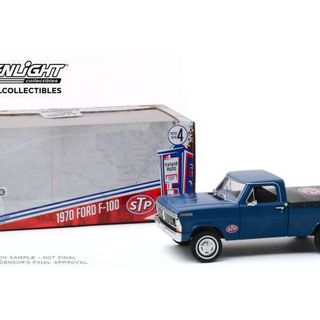 1970 Ford F-100 with Bed Cover STP Greenlight 1/24 Running on Empty